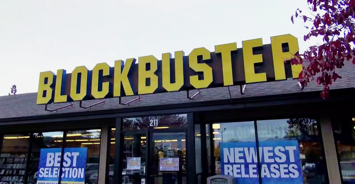 last blockbuster has an airbnb