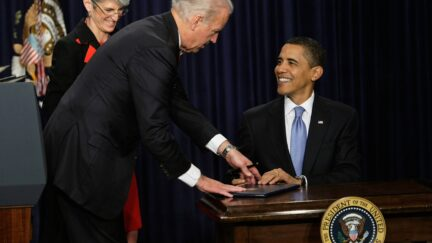 Obama Signs An Ethics Executive Order