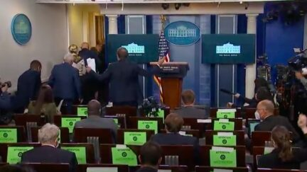 Reporters Shout After White House Coronavirus Task Force
