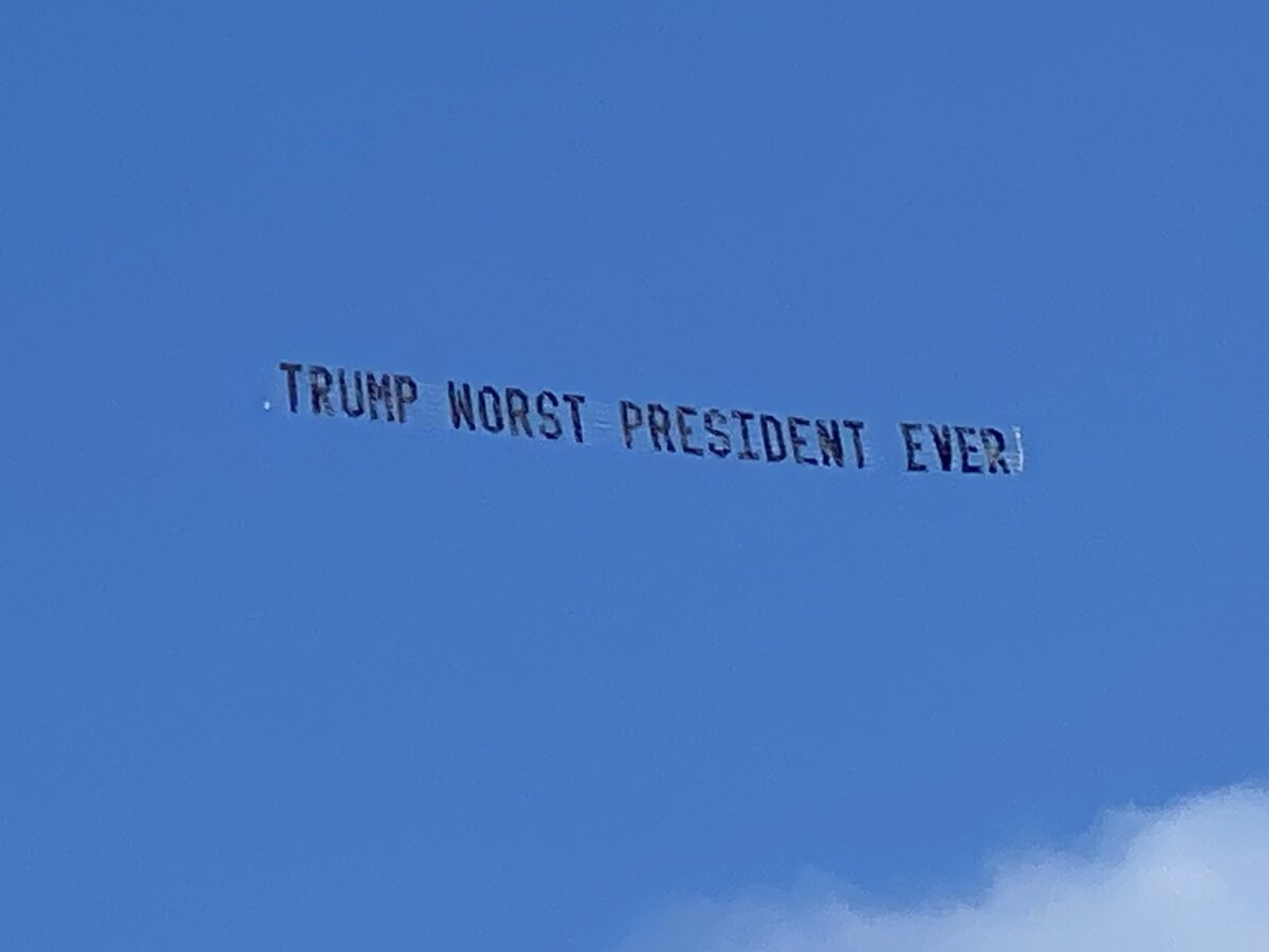 trump plane banner