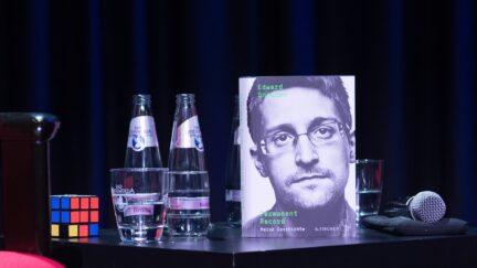 Snowden Jorg Carstensen/Getty Images