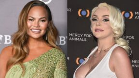 Chrissy Teigen Courtney Stodden Apology